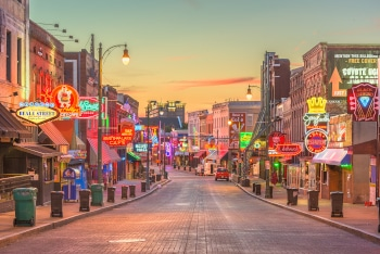 MEMPHIS, TENNESSEE - AUGUST 25, 2017: Blues Clubs on historic Beale Street at twilight