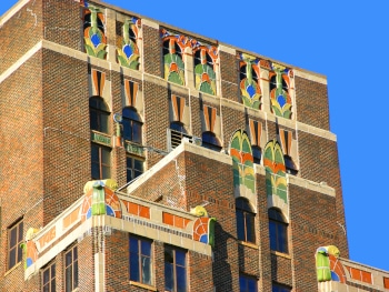 """""""Three foot Building"""" in Meridian MS. Art-Deco style built in the 1920s."""